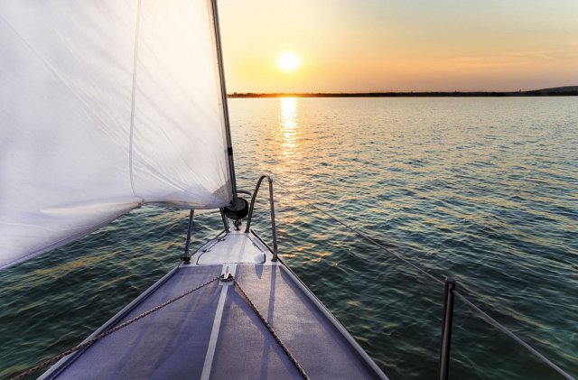 7 Milestones to Help You Sail into Financial Independence Before 40